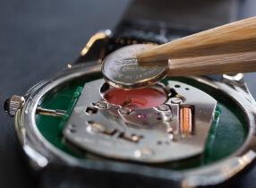 時計電池交換 1,000円(税抜き)〜